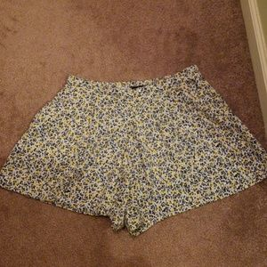 Gap women's Elastic Floral Shorts XS
